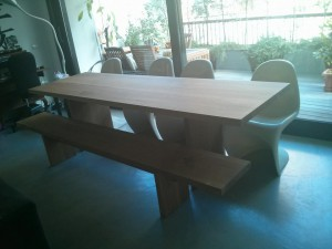 mesa de madera larga decorador