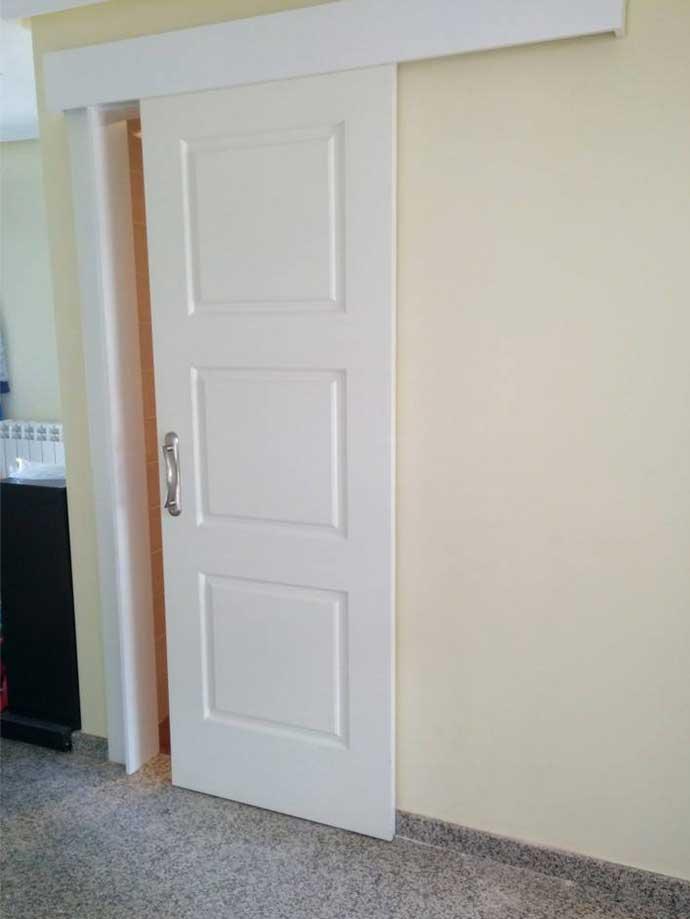 puerta-corredera-blanca