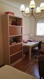estanteria blanco y madera